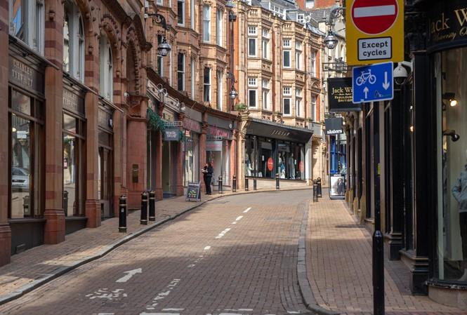 Lưu học sinh Việt Nam tại Anh đối mặt thế nào với dịch COVID-19