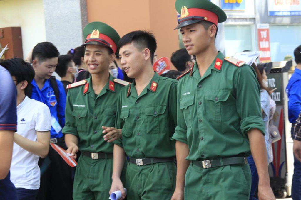 Bộ Quốc phòng điều chỉnh thời gian sơ tuyển các trường quân đội